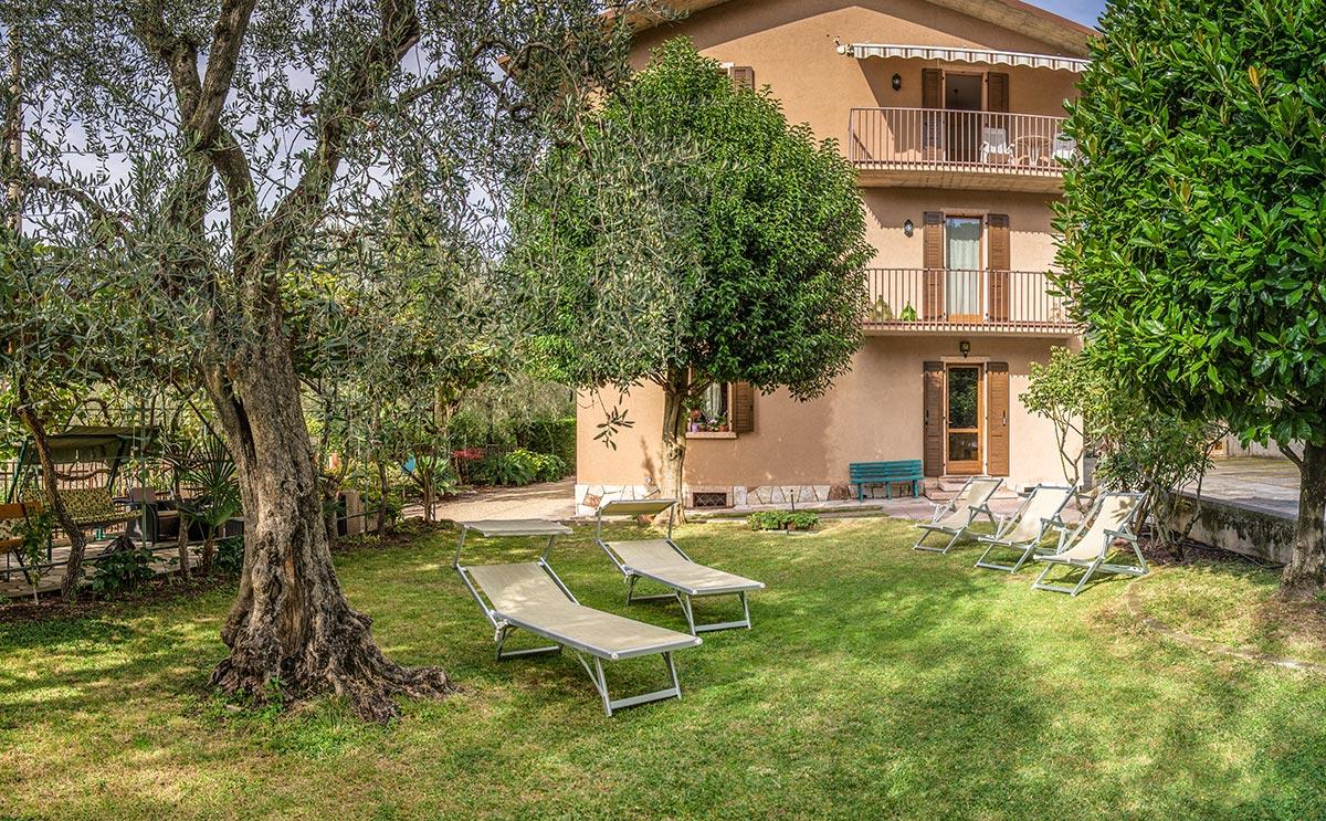 Casa Milani Ferienwohnung Gardasee Garten